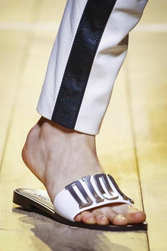 90秒 巴黎走过那么多鞋,你记住了几双?