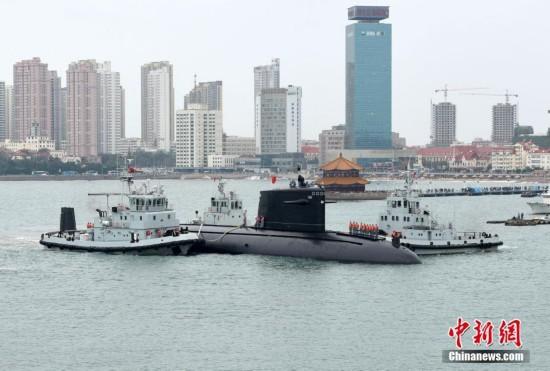 组图:实拍中国首艘核动力潜艇退出现役
