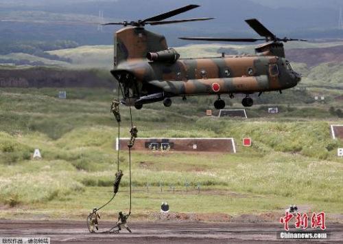 资料图:日本自卫队进行演习。