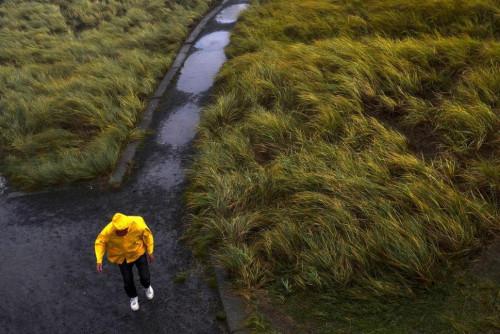15日,俄勒冈州遭强暴风雨袭击。(图片来源:美联社)