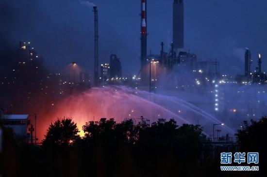 德国巴斯夫化工厂爆炸已造成2人死亡(图)