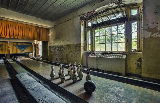 加拿大摄影师拍摄废弃精神病院现状