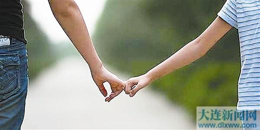 进入青春期 父母应学会倾听尊重孩子沉默的权利