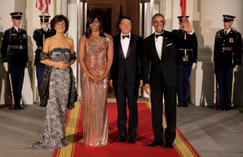 奥巴马夫妇欢迎到访美国的意大利总理夫妇。(图片来源:路透社)