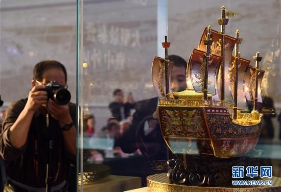 国品宝船・璀璨起航――大型景泰蓝《友谊之船》在京发布