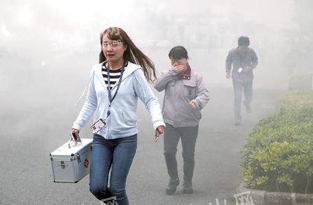 镇江园区外企开展应急疏散演练 300名职工参加