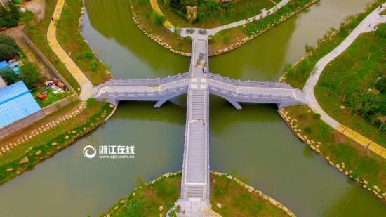 杭州有座拱桥很妖娆 隔壁居民夸它劈腿劈得好