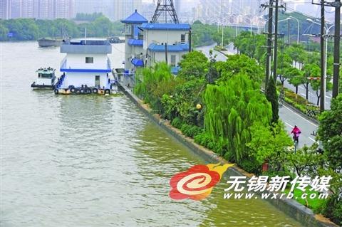 无锡普降大雨 太湖最高水位将达4.10米左右