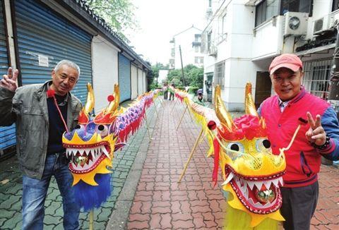 苏州非遗传承人制作20米长竹编龙灯