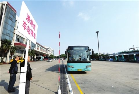 苏州公交车驾驶员技能考核开赛 85人紧张角逐