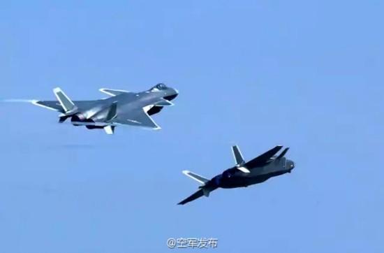 航展期间,260架次飞行表演如何指挥保障?