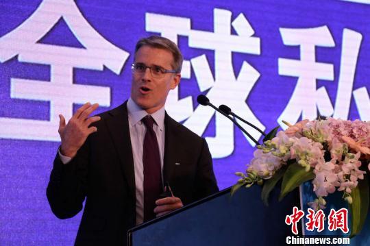 """国际金融精英""""看""""中国经济:风险与机遇并存"""
