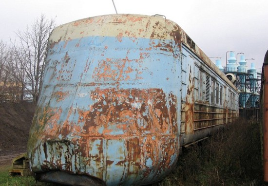 摄影师拍废弃苏联火车 满载历史感
