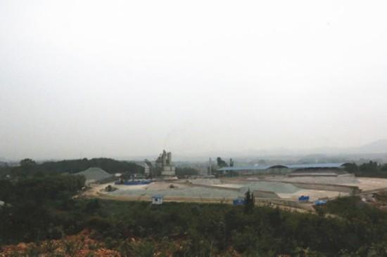 江西万年:政府缺位的违建行宫盗沙毁林