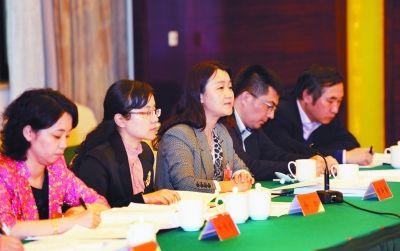 """江苏省党代表热议报告中的""""南京元素"""""""