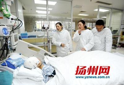 扬州女孩突发脑溢血 20万医药费难倒聋哑父母