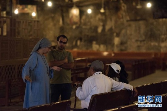 探访埃及洞穴教堂(组图)