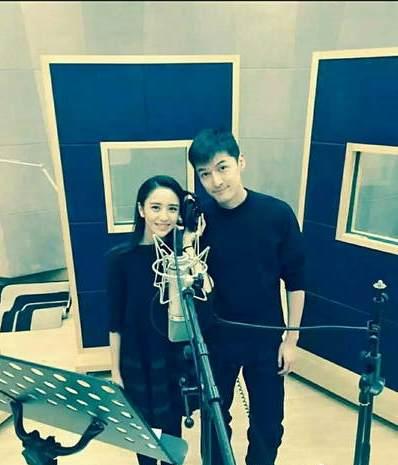 胡歌佟丽娅录音棚合唱将放歌文联晚会