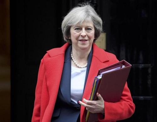 英国首相致电特朗普寻求加强两国关系尽早会面