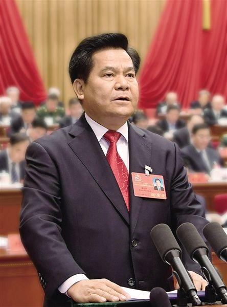 李纪恒:紧密团结在以习近平同志为核心的党中央周围 把祖国北部边疆这
