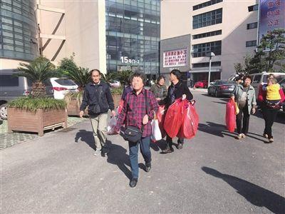 日均千余沪上游客到南通海门叠石桥购物