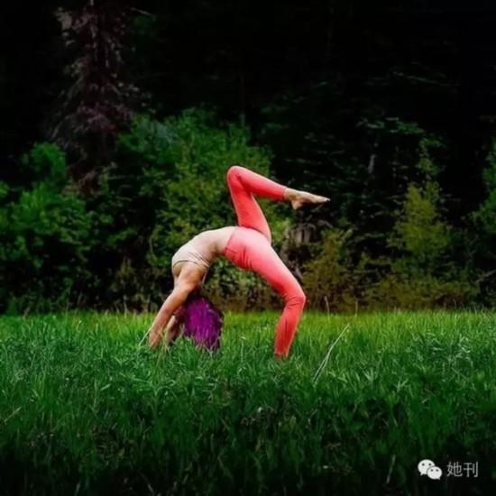瑞典全球飞行员晒高难度美女图片照美女瑜伽性感性感胡桑图片