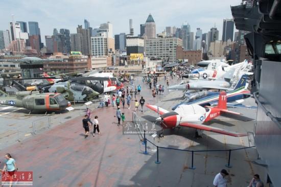 中国军迷拍美航母:含唯一F-14原型机(组图)