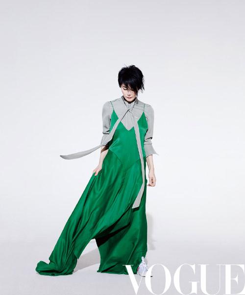 王菲短发造型登杂志封面 天后告别微博已久终再自拍【11】
