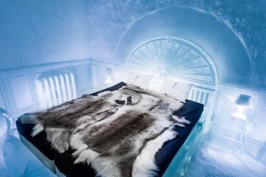"""瑞典首个""""冰旅馆""""开业 所有家居就全用冰制作"""