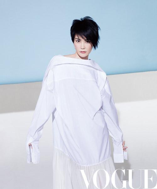 王菲短发造型登杂志封面 天后告别微博已久终再自拍【13】