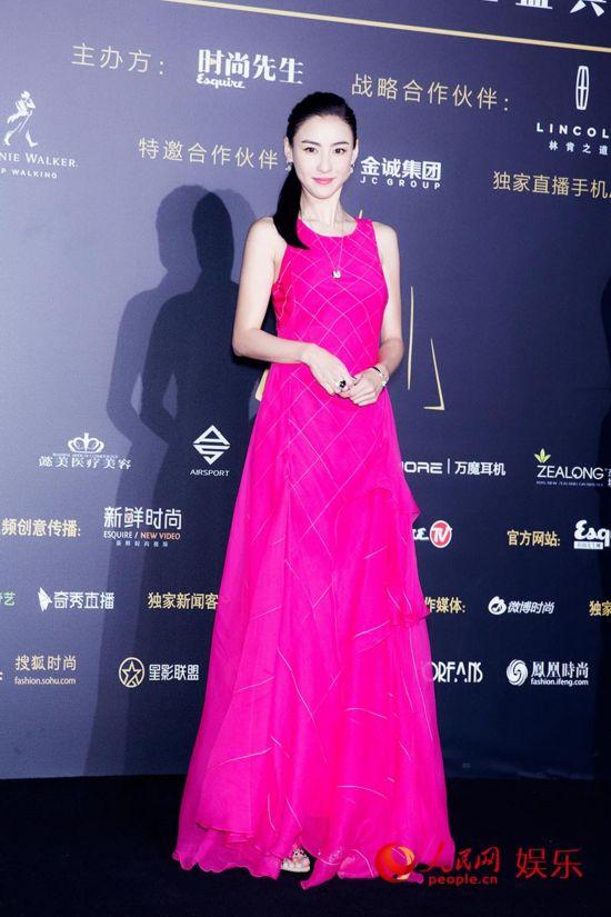 """36岁张柏芝成""""最美女人""""粉嫩长裙少女气十足/图"""