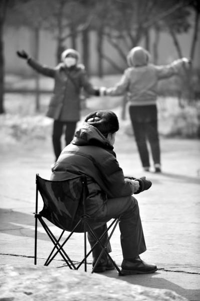 调查显示:九成老人愿意居家养老