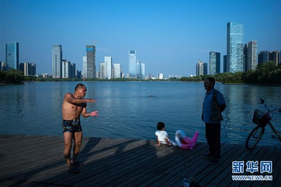 那座城那片水那些人--合肥人天鹅湖畔的慢生adc视频解说教学图片