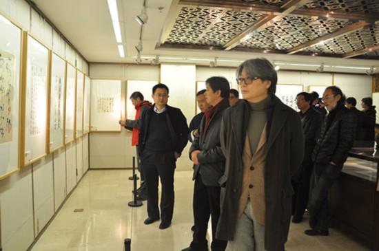 荣宝斋常务副总经理、荣宝斋文化有限公司总经理范存刚到现场观展