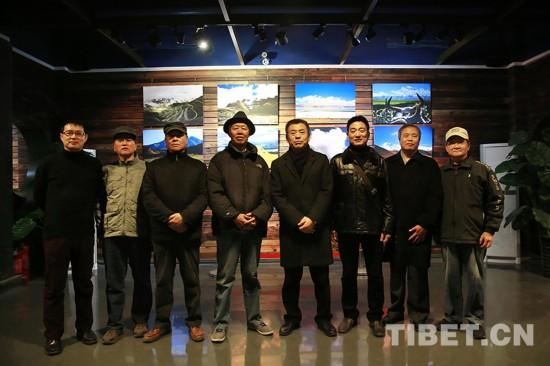 《世界屋脊秘境阿里》摄影展在京开幕