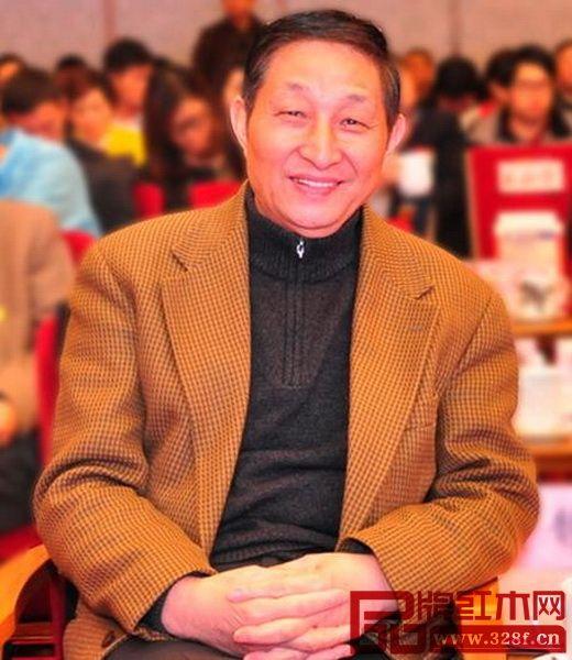 原故宫博物院文保科技部主任、全联艺术红木家具专委会专家顾问曹静楼