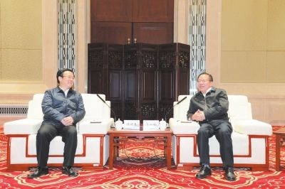 广安党政代表团赴贵州省贵安新区考察