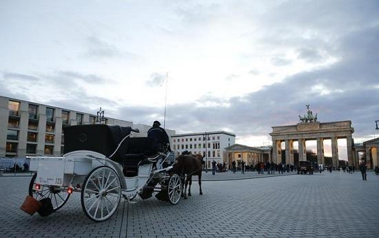 外媒:柏林卡车冲撞事件给欧洲旅游业再添阴霾