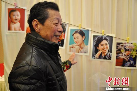 300余张老照片无人认领83岁摄影师长沙寻照片主人