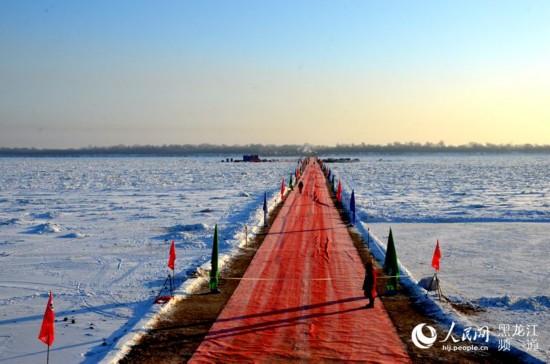 中俄界河黑龙江上首座现代化公路大桥12月24日开工