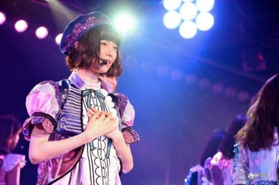 AKB48岛崎遥香在秋叶原剧场举行毕业公演