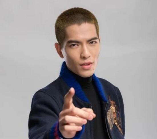 地歌手张敬轩、哈萨克斯坦人气歌手海拉提.努尔塔斯~全新的舞台,图片