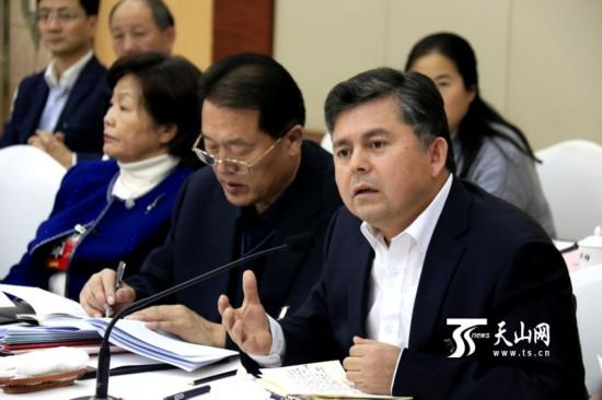 【高清组图】政协委员分组讨论政府工作报告-