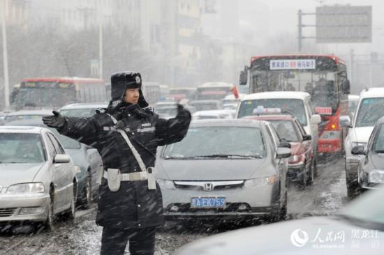 哈尔滨交警部门召开誓师大会 全面启动2017年春运交通安保工作
