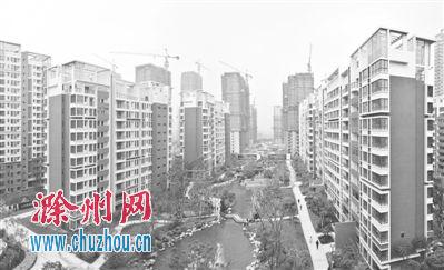 滁城一小区内的绿化水系。(资料图)