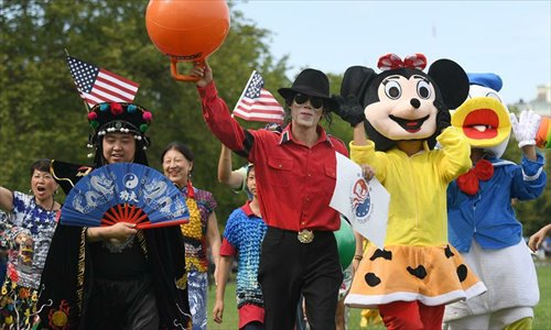 Record number of Chinese, US tourists visit each other's country in 2016