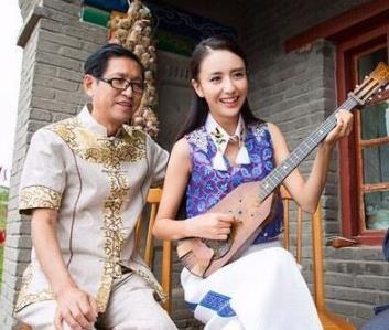 陈思诚疑似婚内出轨 佟丽娅爸爸点赞微博:有颗忍耐的心 幸福才会来