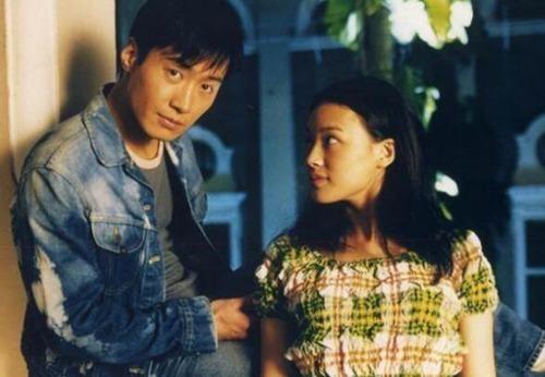 香港天王黎明2012年和乐基儿结束4年婚姻后,即专心在演艺事业上,几乎零绯闻.