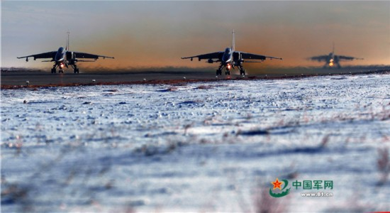 开演了!驻新疆航空兵组织大场次跨昼夜飞行(组图)