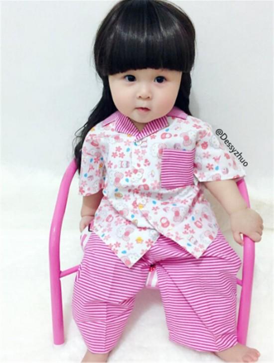 印尼一岁小女孩女生报复布娃娃成知名网红(高长相男生酷似图片
